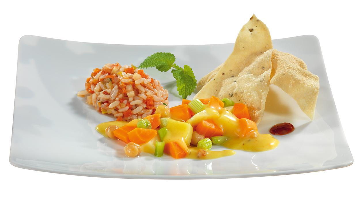Karotten-Kichererbsen-Curry mit Gemüsereis