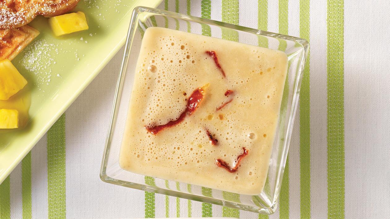 Kartoffel-Pilz-Erdnusssuppe mit knusprigen Schinkenstreifen