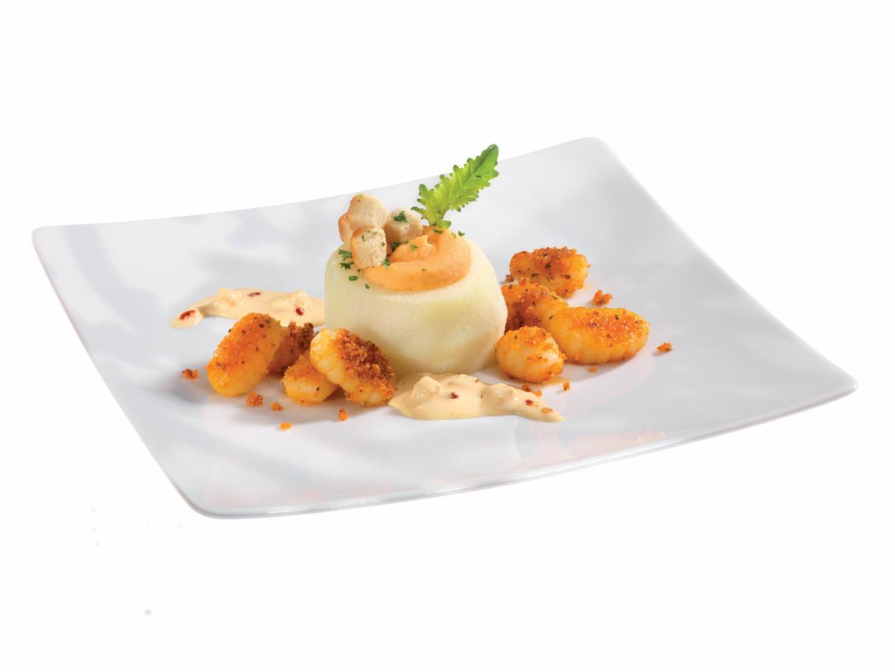 Kohlrabi gefüllt mit zweierlei Kartoffeln, auf fruchtiger Sambal-Manis-Hollandaise mit Gnocchi a la Pesto rosso