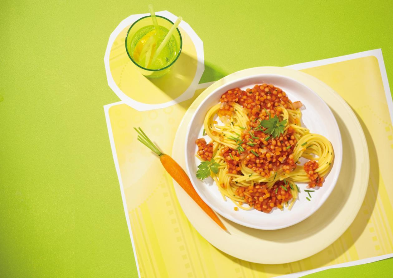 Linsenbolognese auf Kräuterspaghetti