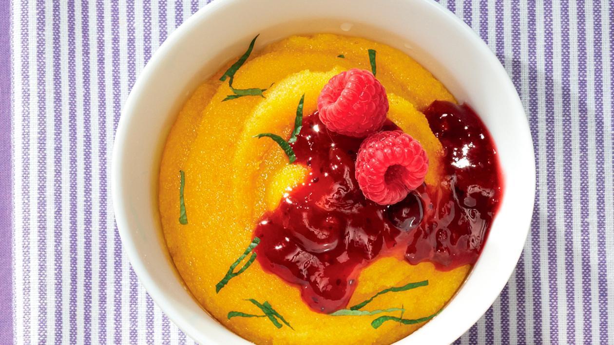 Mango-Aprikosen-Polenta mit Roter Grütze