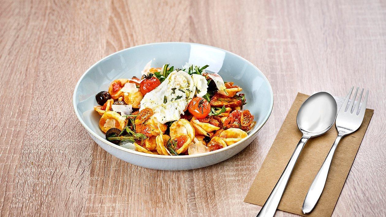 Pasta Bowl mit Kirschtomaten und Rucola