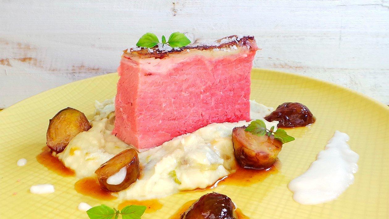 Roastbeef mit Meerrettich-Velouté und geschmorter Rosenkohl