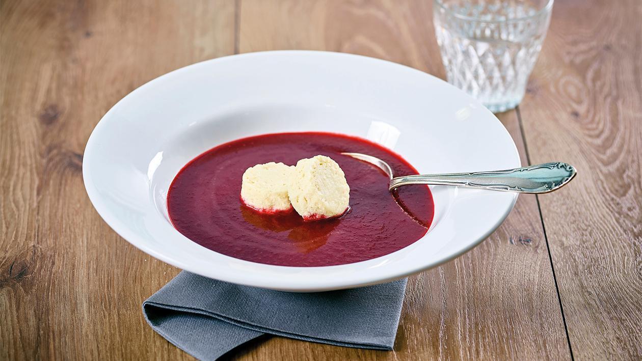Rote Beete Cremesuppe mit Meerrettich Flan - Pürierte Kost
