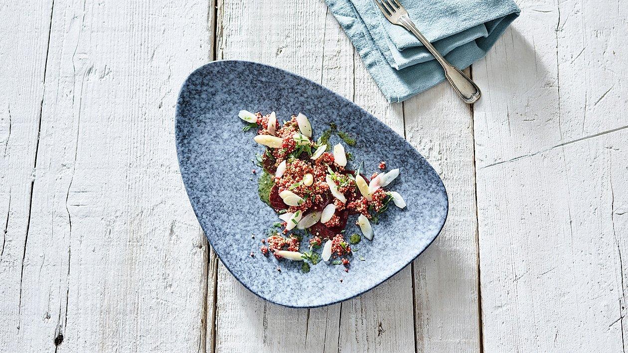 Spargelsalat mit Quinoa und Roter Beete