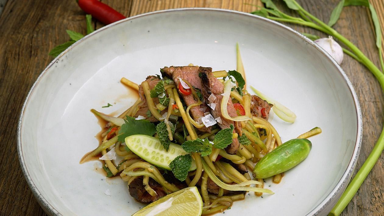 Thailändischer Rindfleisch Salat