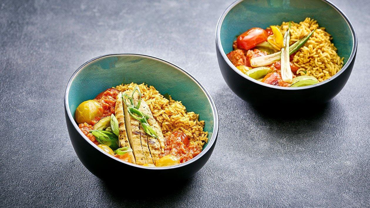 Tomaten-Vielfalt in Curry-Reis-Bowl