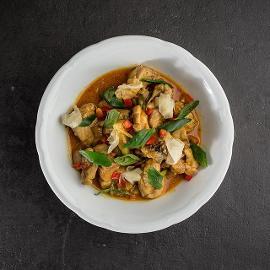 Κοτόπουλο με Knorr Thai Yellow Curry Paste, Πίκλες Τζίντζερ και Ρύζι Jasmine και Kάρδαμο