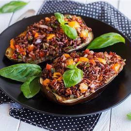 Μελιτζάνες Γεμιστές με Ρύζι και Λαχανικά