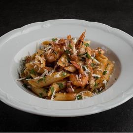 Πέννες Αmatriciana με Γαρίδες, Καλαμάρι και Crispy Bacon