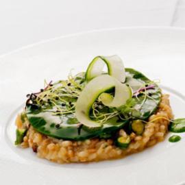 Ριζότο Δημητριακών με κολοκύθια και μανιτάρια σε πέπλο σέσκουλο