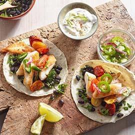 Fish Tacos με sauce μαγιονέζας και ψητές πατάτες