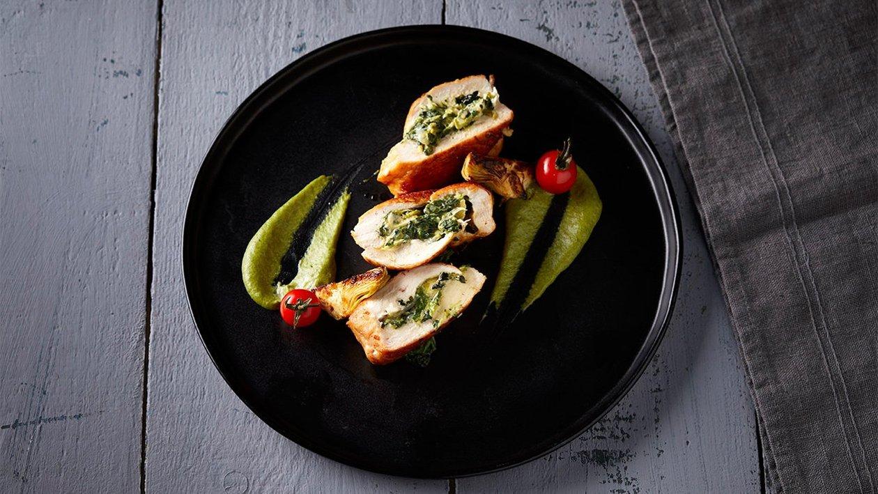 Γεμιστό κοτόπουλο με σπανάκι και αγγινάρες