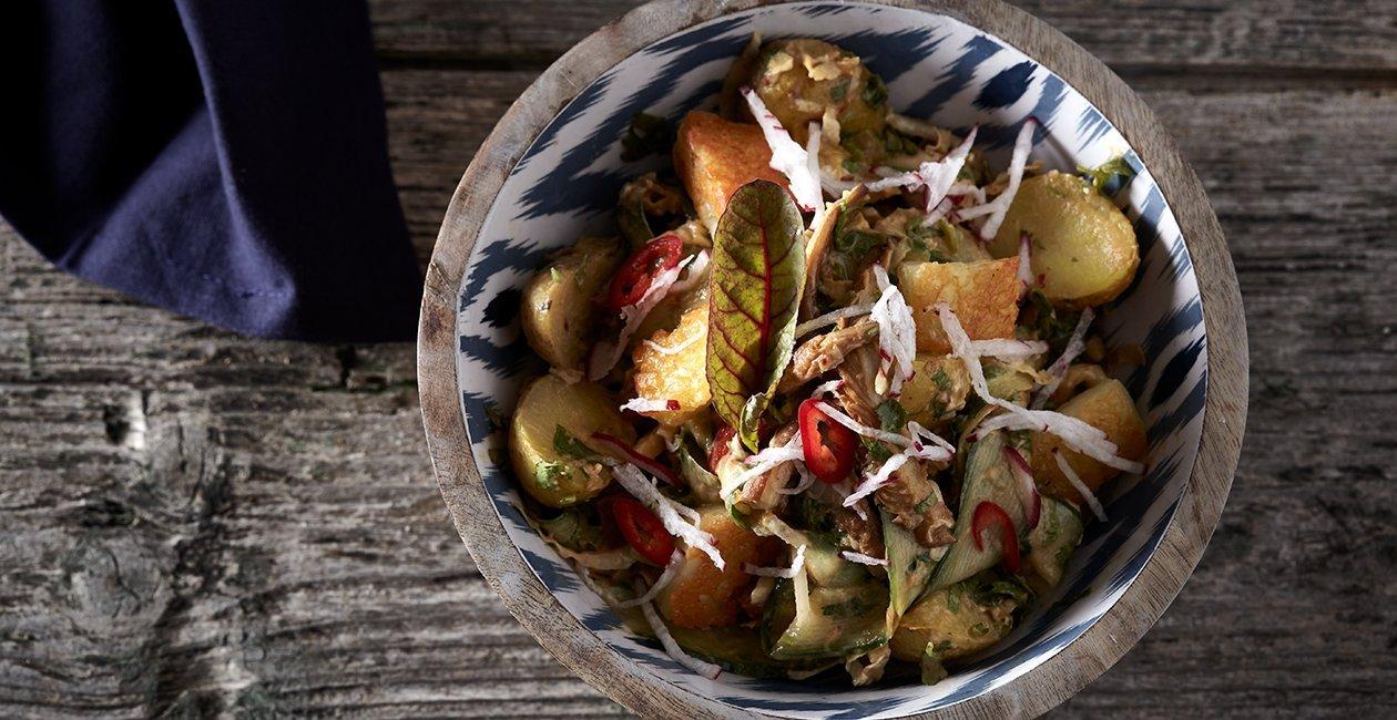 Δροσερή Σαλάτα με Πατάτες Baby, Λαχανικά, Αυγό και Μυρωδάτο Dressing Ανατολής