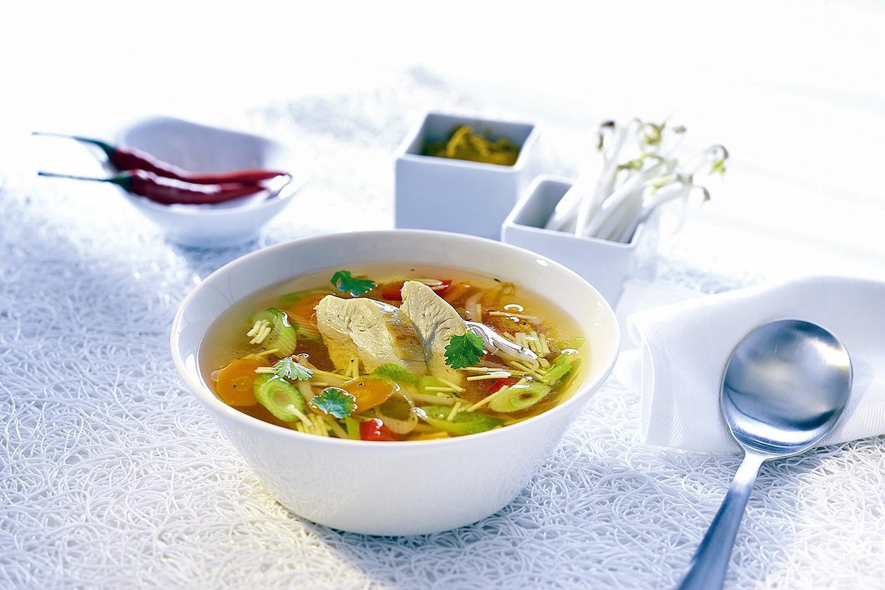 Κινέζικη Σούπα με Κοτόπουλο και Λαχανικά