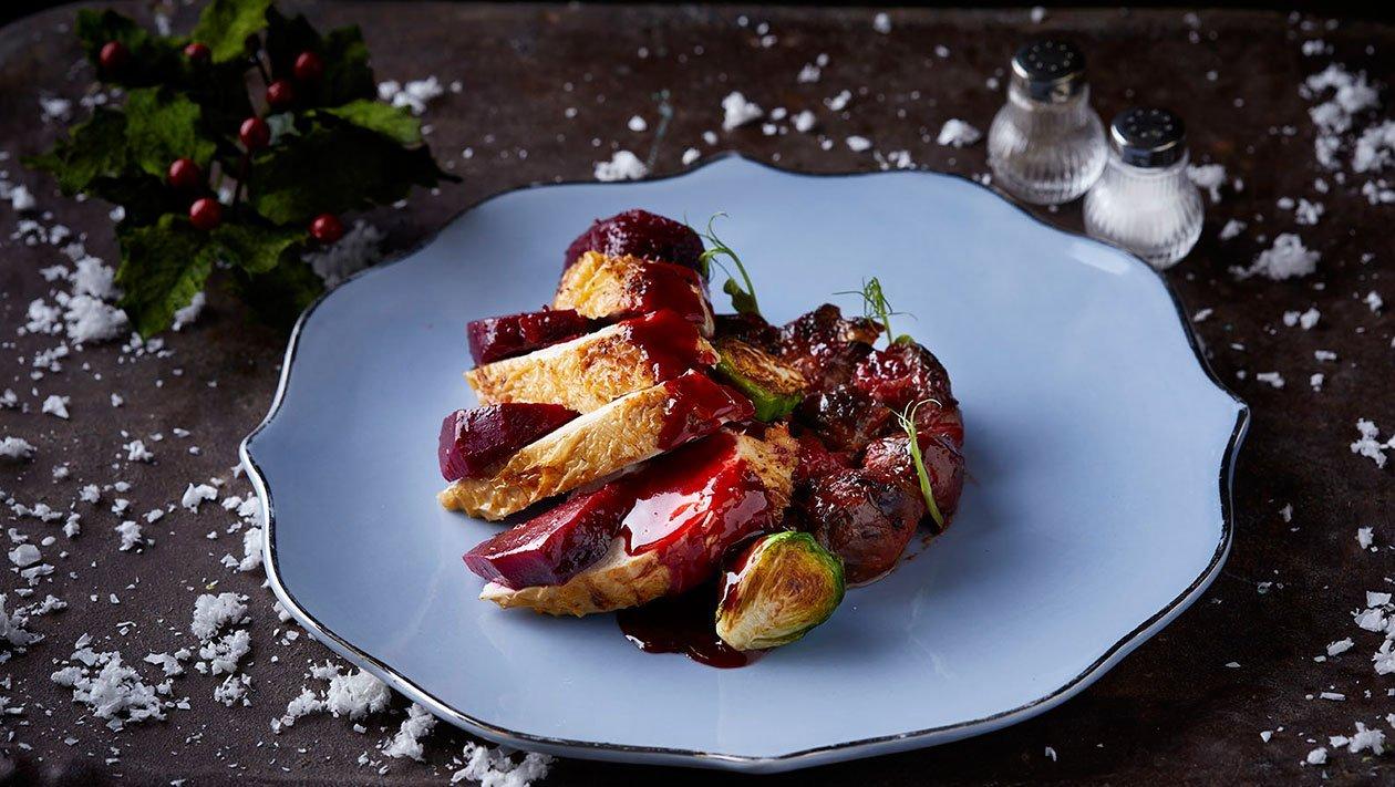 Μυρωδάτο Ψητό Κοτόπουλο με Παντζάρια και Λαχανάκια Βρυξελών