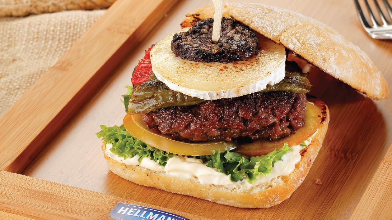 Burger με Ιβηρικό Xοιρινό