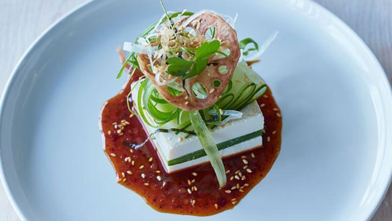 Tofu με Σαλάτα Αγγουριού