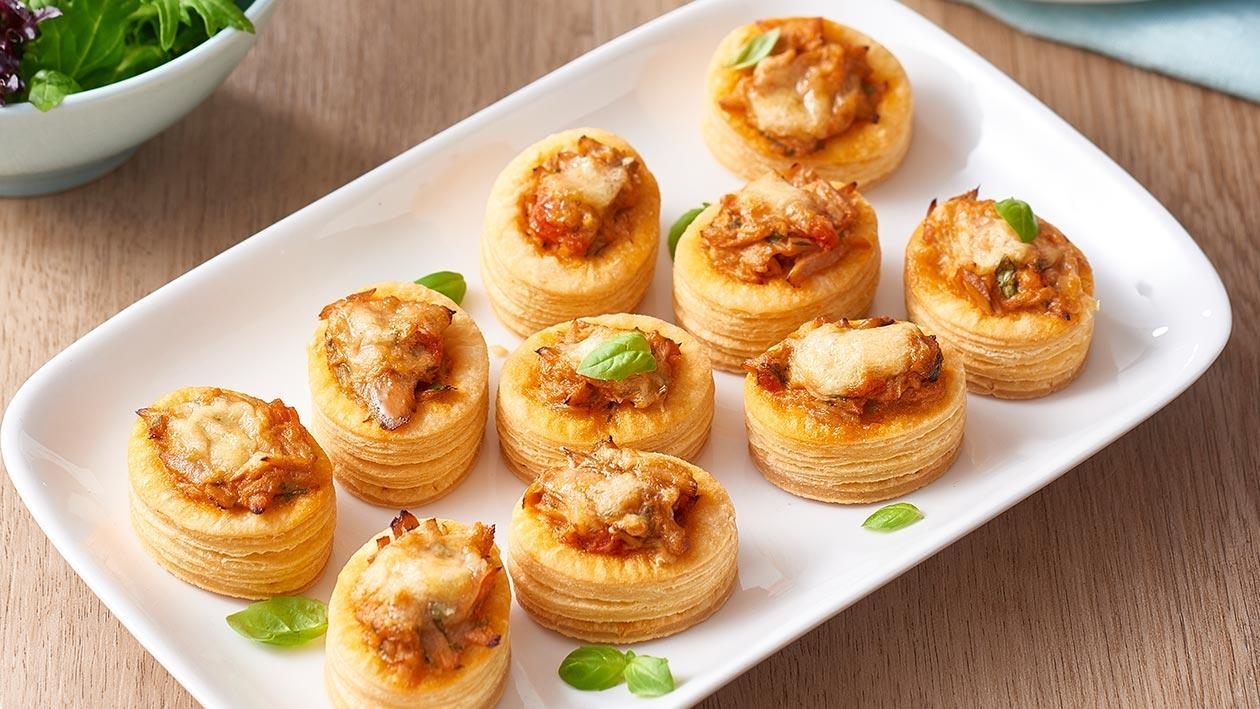 Creamy tuna and tomato vol au vents recipe unilever for Canape fillings