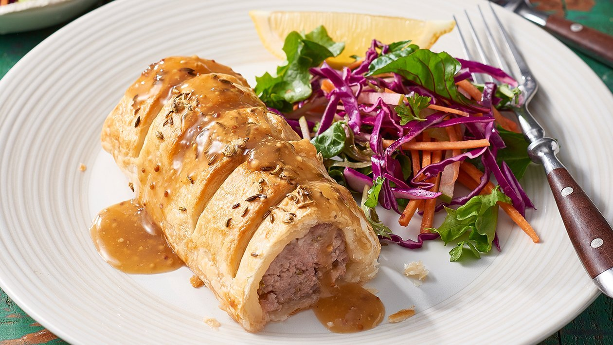 Pork with Fennel Sausage Rolls with Mustard Gravy – Recipe