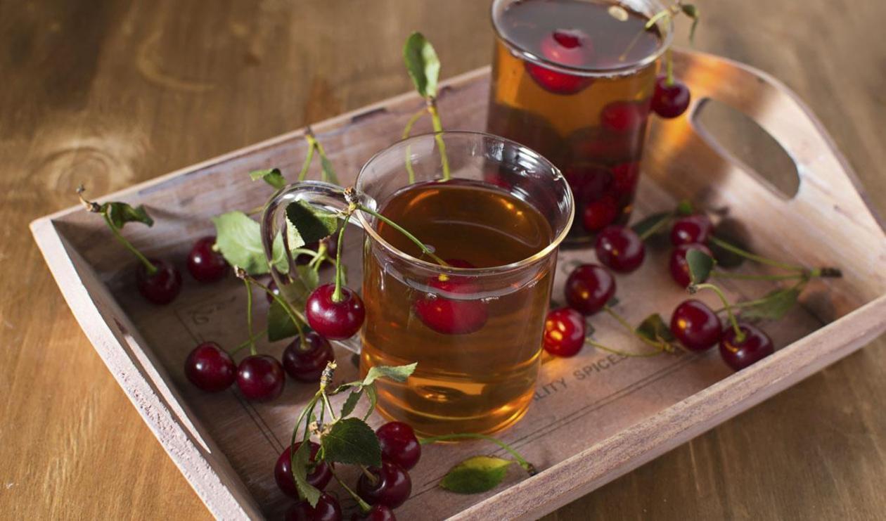 Cherry, Mint and Hazelnut Tea – recipe