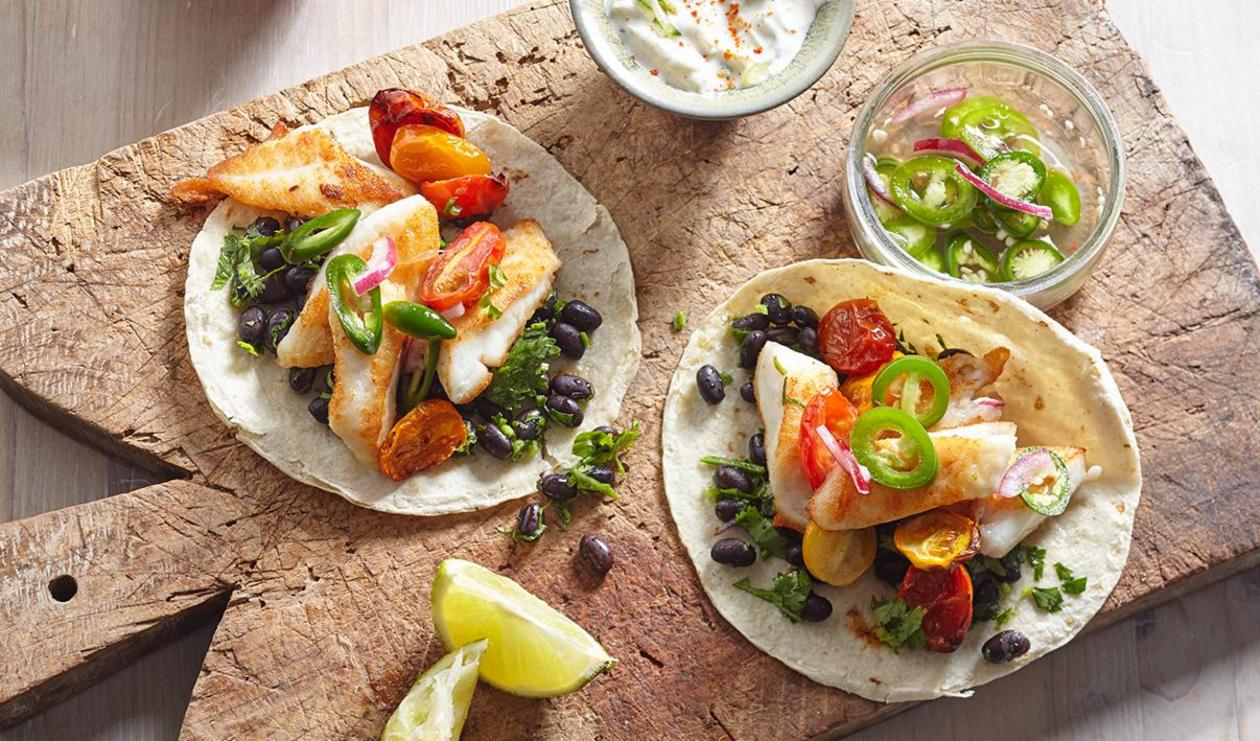Fish tacos with savoury yoghurt sauce and roasted tomatoes  – recipe