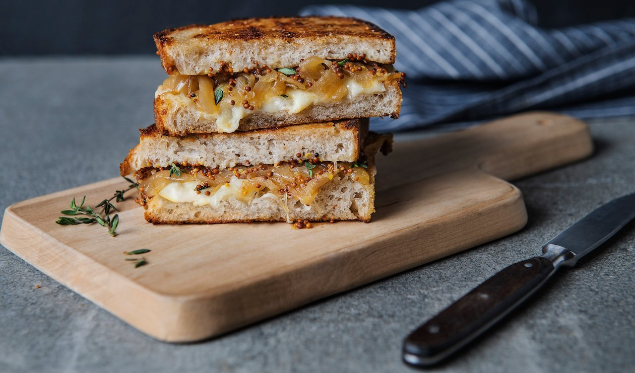 Grilled Cheese with Caramelized Onions – recipe