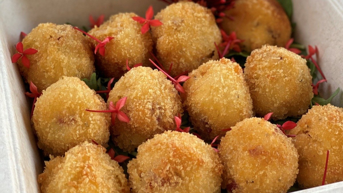Virginia Ham and Cheddar Croquettes with Grainy Mustard Aioli – recipe