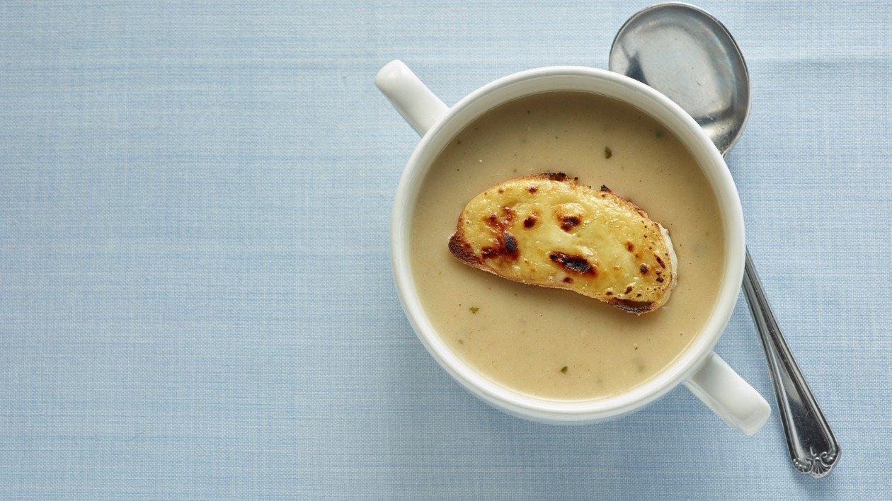 Mushroom Cheese and Garlic Soup