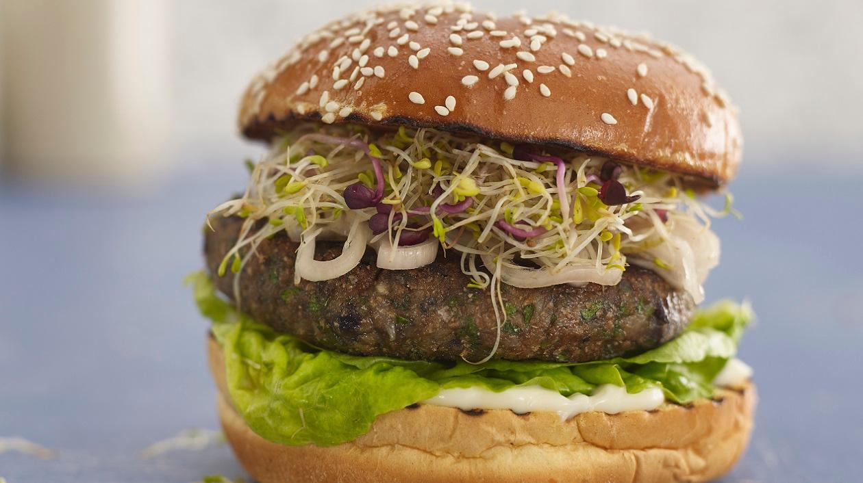 Black bean burger with ginger pickled onions and Alfalfa sprouts – recipe