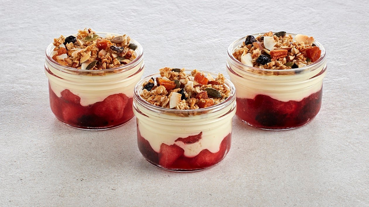 Bramble Custard with Granola – recipe