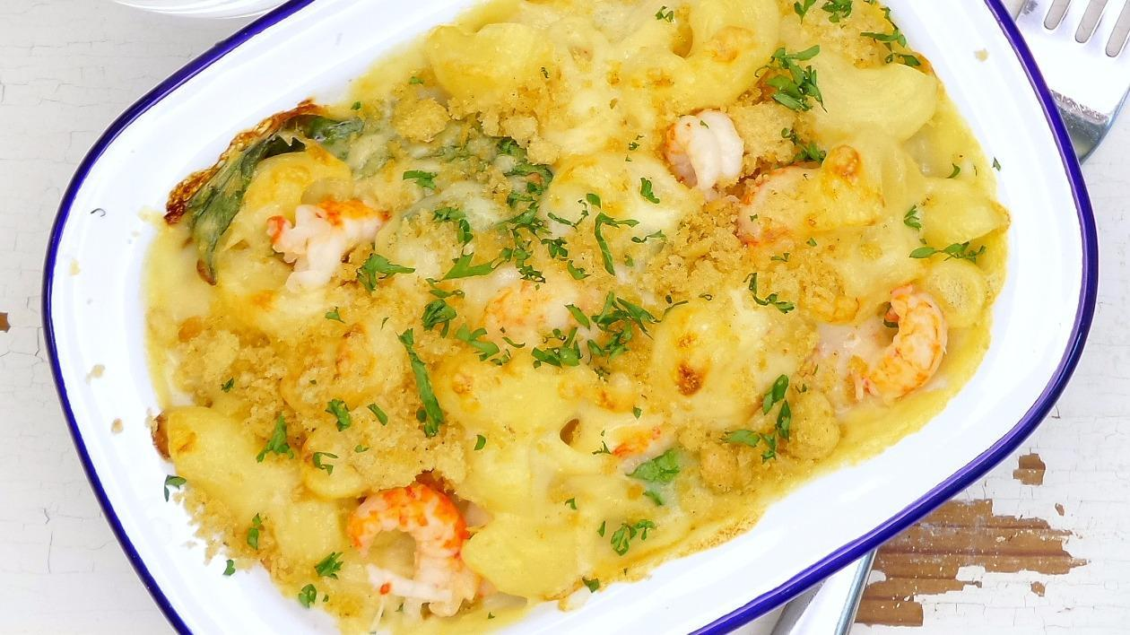 Cray fish, spinach & smoked cheese mac 'n' cheese – recipe