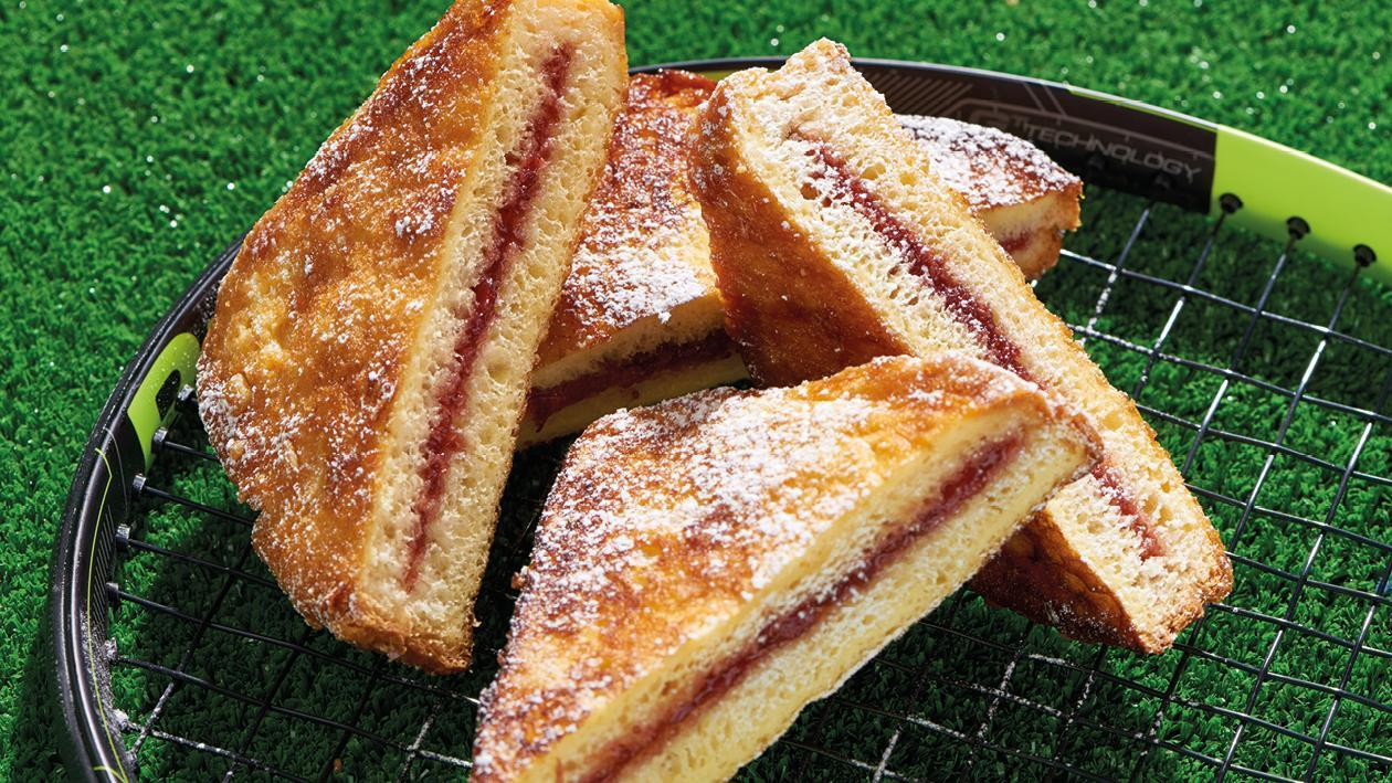 French toast filled with strawberry jam – recipe