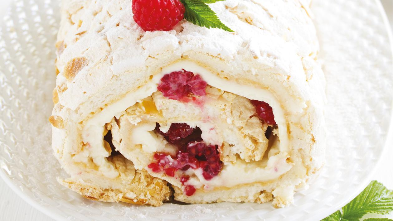 Frozen cardamom and passion fruit meringue roulade – recipe