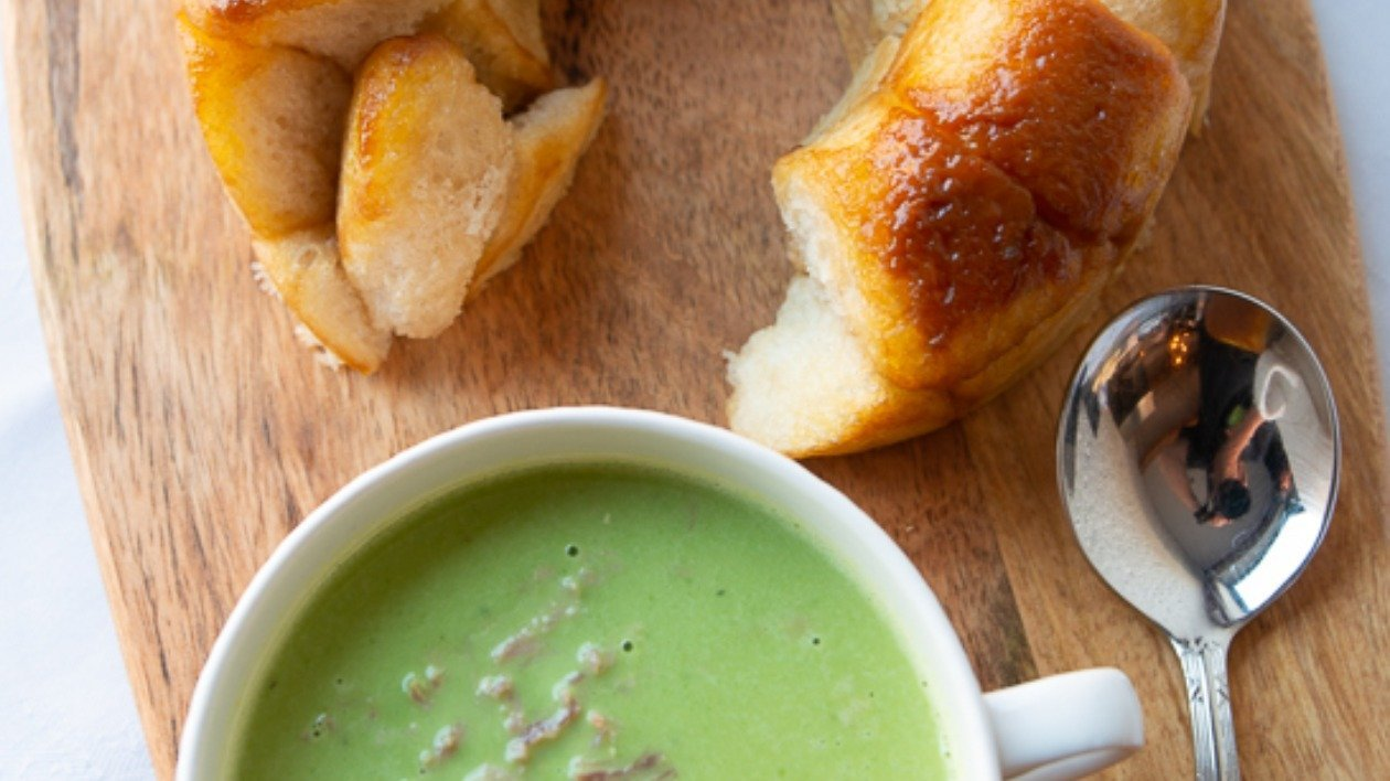 Ham Hock  & Pea Soup with Marmite Monkey Bread – recipe