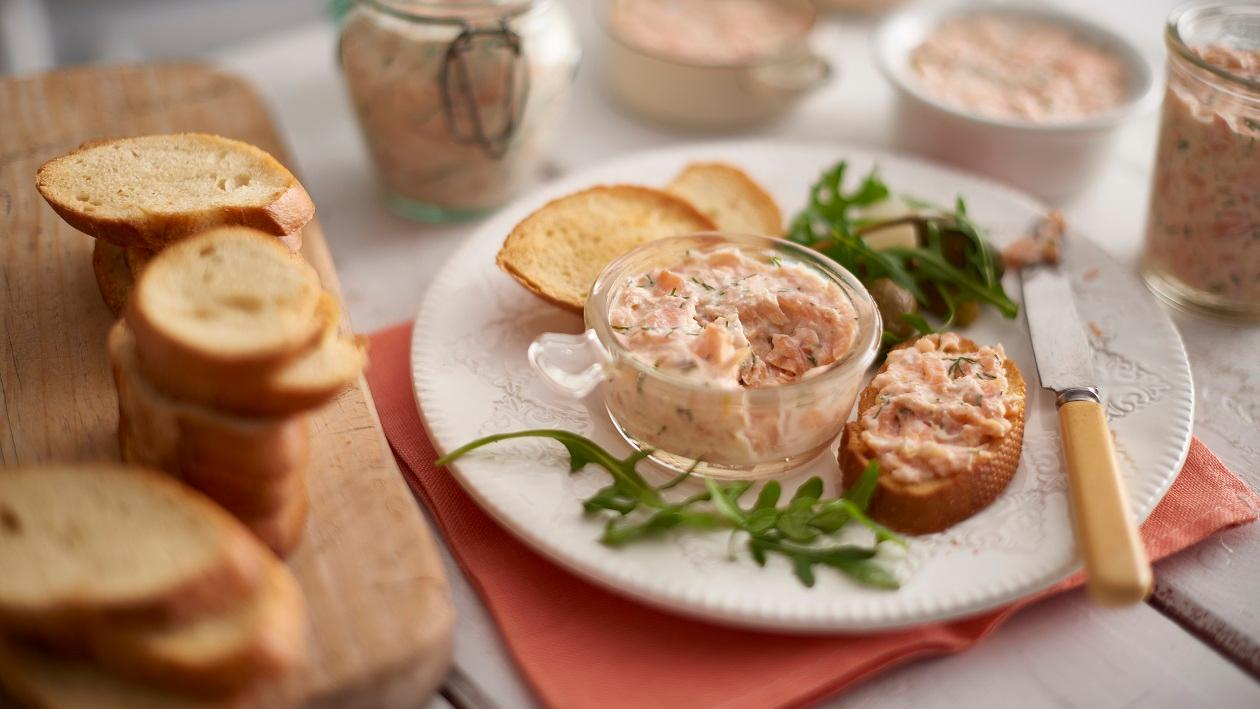 Roasted and smoked salmon pate – recipe