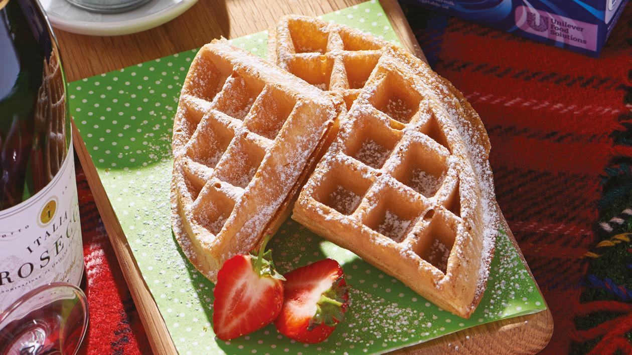 Spelt waffle with maple chantilly – recipe