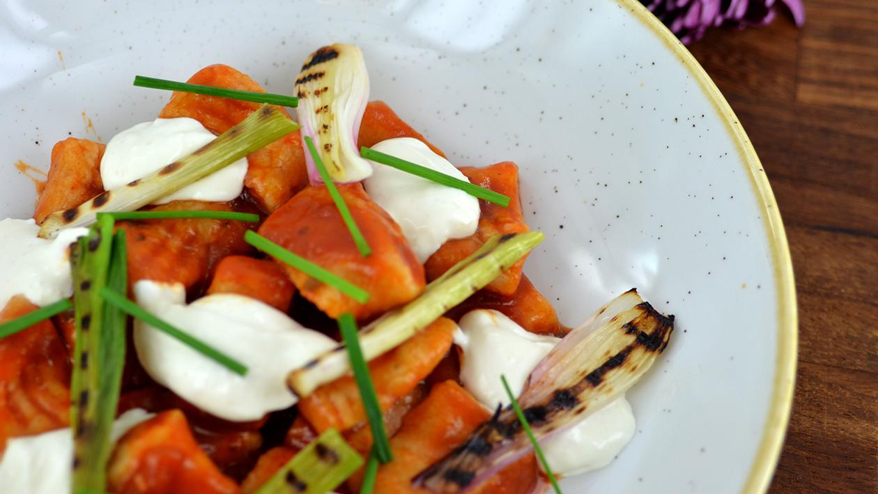 Sweet potato gnocchi with spring onions & goats cheese (variation)