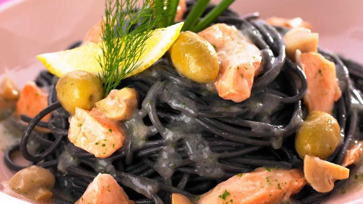 Black Spaghetti Salmon