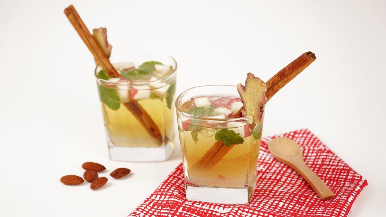 Cinnamon Rosales