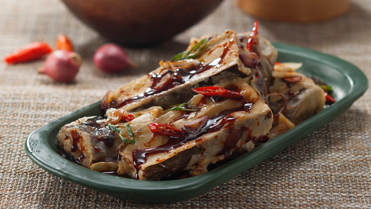 Crispy Eggplant with Spicy Bango Sauce