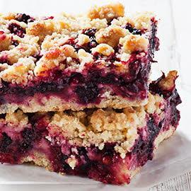Blackberry and apple flapjack crumble