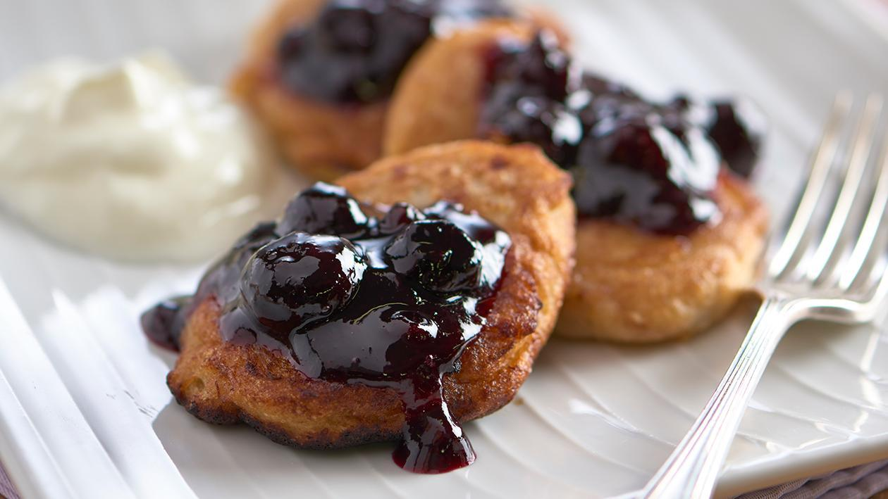 Banana fritters with blueberry compote