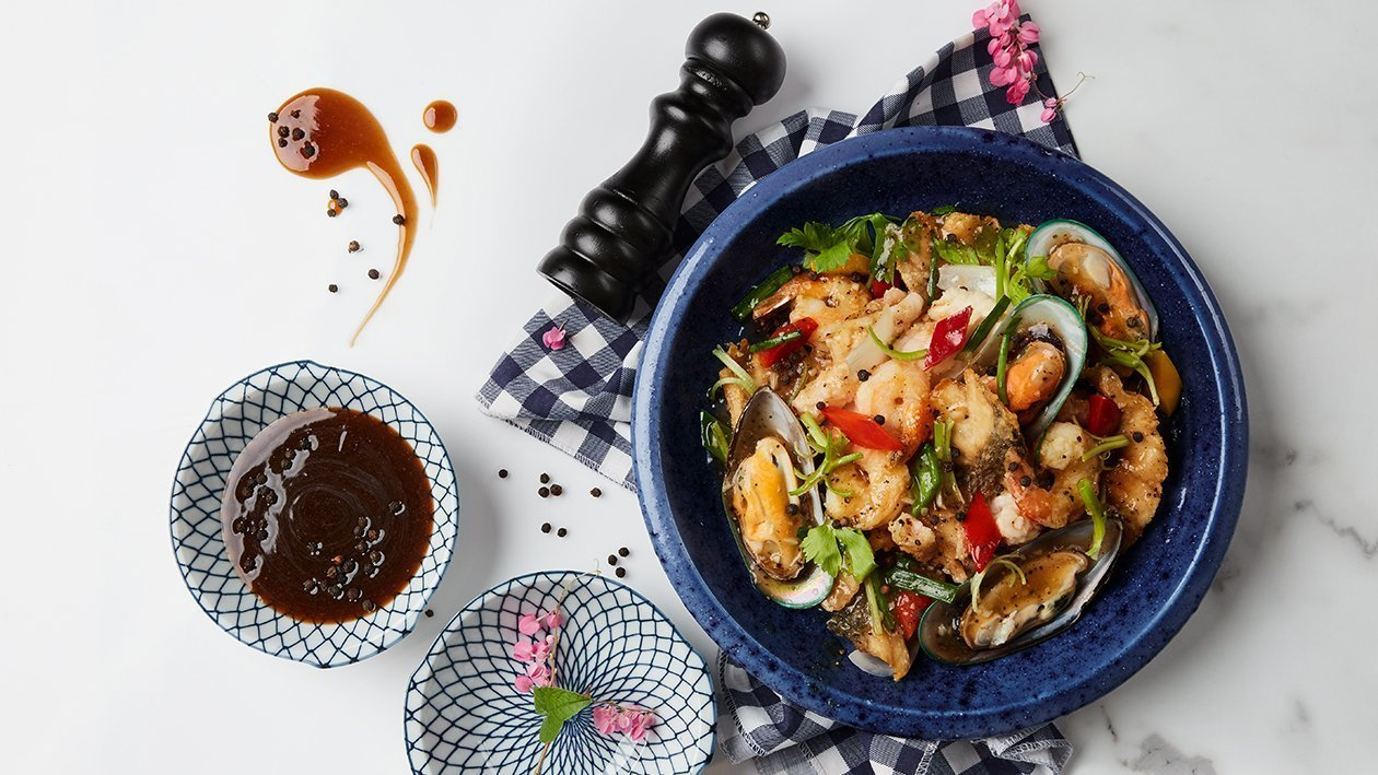 Stir-Fried Seafood with Black Pepper