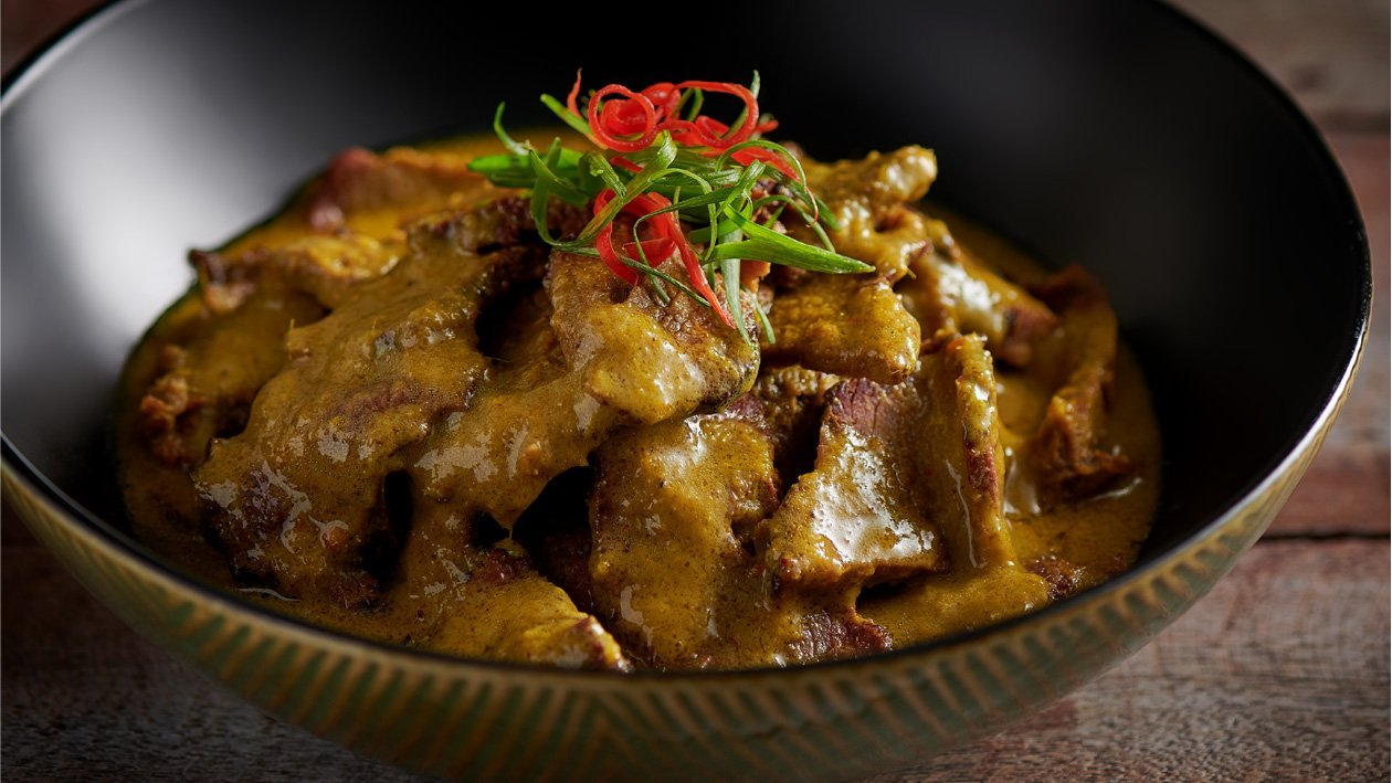 Beef in Coconut Chili Curry