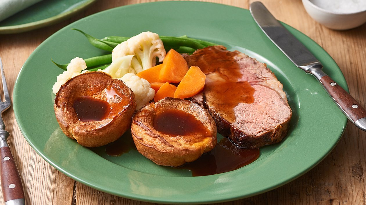Classic Roast Beef with Yorkshire Pudding – Recipe