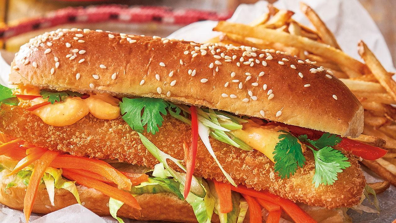 Hanoi fish sandwich with red curry mayo, pickled carrots and coriander – Recipe