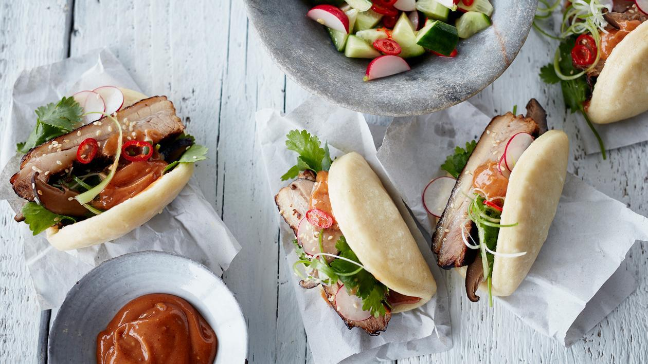 Steamed Bun with Pork Belly and hoi-sin mayonnaise – Recipe