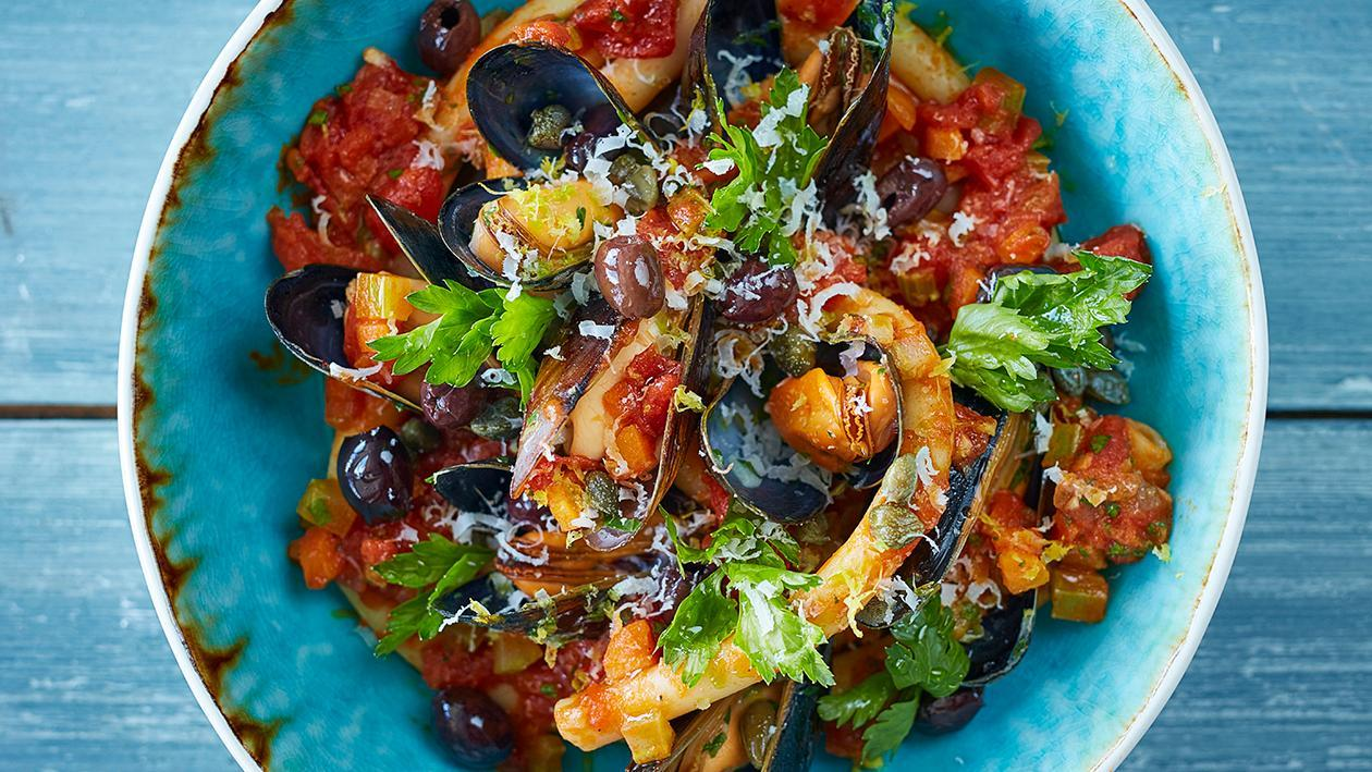 Pasta with Mussels, Tomato and Olives