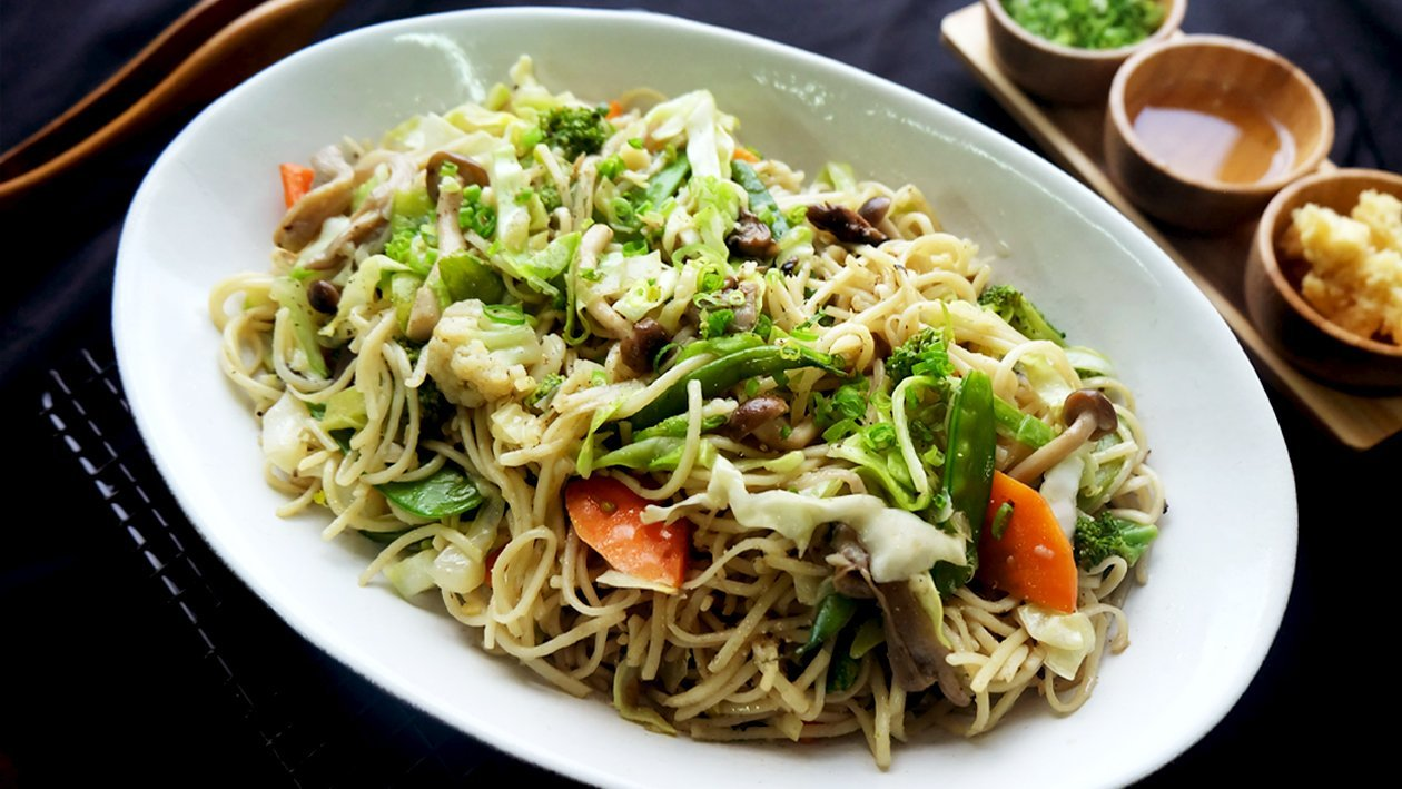 Stir-Fried Chicken, Vegetables and Noodles